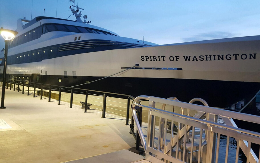Spirit of Washington DC Yacht by Hornblower