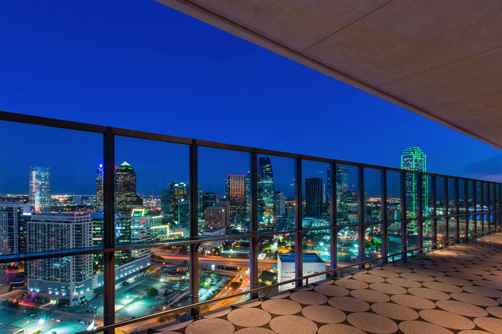 W Dallas Rooftop – Altitude